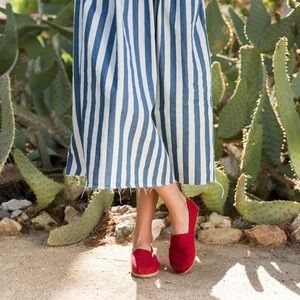 TOMS✨Red Classic Canvas Shoe